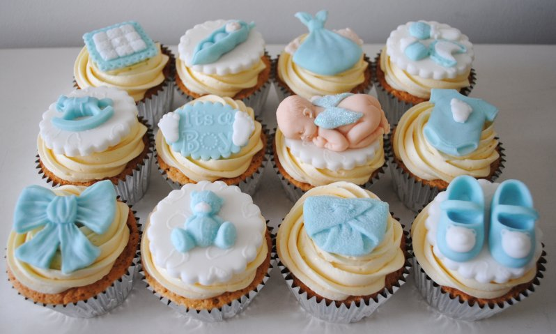 Boy baby shower cupcakes