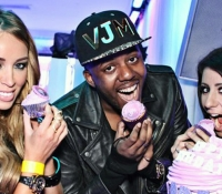 TOWIE Lauren pope and Vas J Morgan with their cupcakes