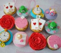 Alice in Wonderland hen party cupcakes