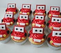 Cars lightening mcqueen cupcakes