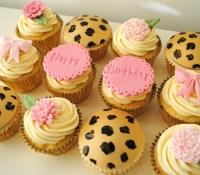 Rose flower leopard print birthday message cupcakes