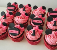 Minnie mouse pink disney cupcakes