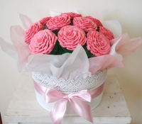 Pink rose giant cupcake bouquet