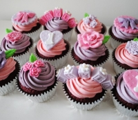 Hearts and flower first birthday cupcakes