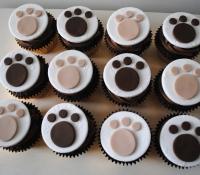 Dog paw print celebration cupcakes