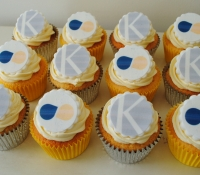 KHT and Stern logo cupcakes