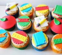 Schools out end of term cupcakes