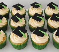 Mortar board end of school cupcakes