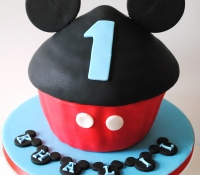 Mickey mouse disney giant cupcake