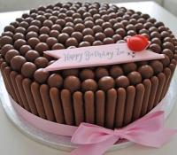 chocolate-finger-birthday-cake