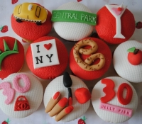 New York Themed Birthday Cupcakes