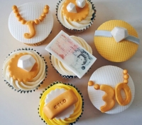 bling-30th-cupcakes