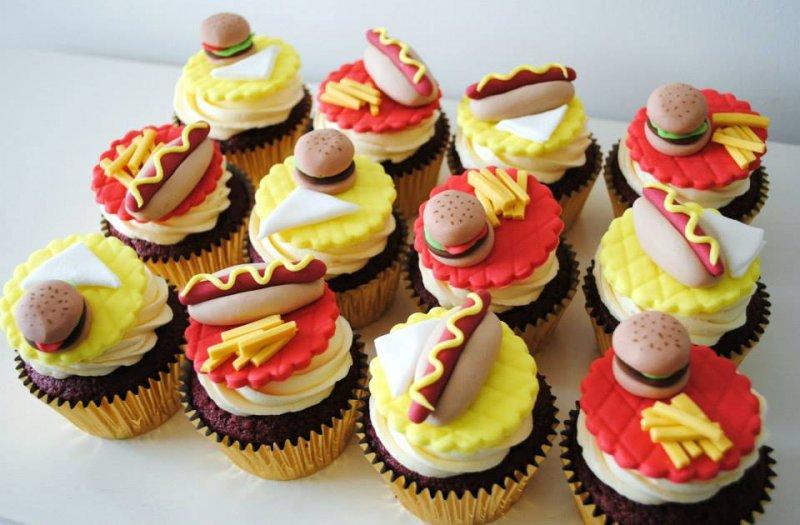 burger-chips-hotdog-cupcakes