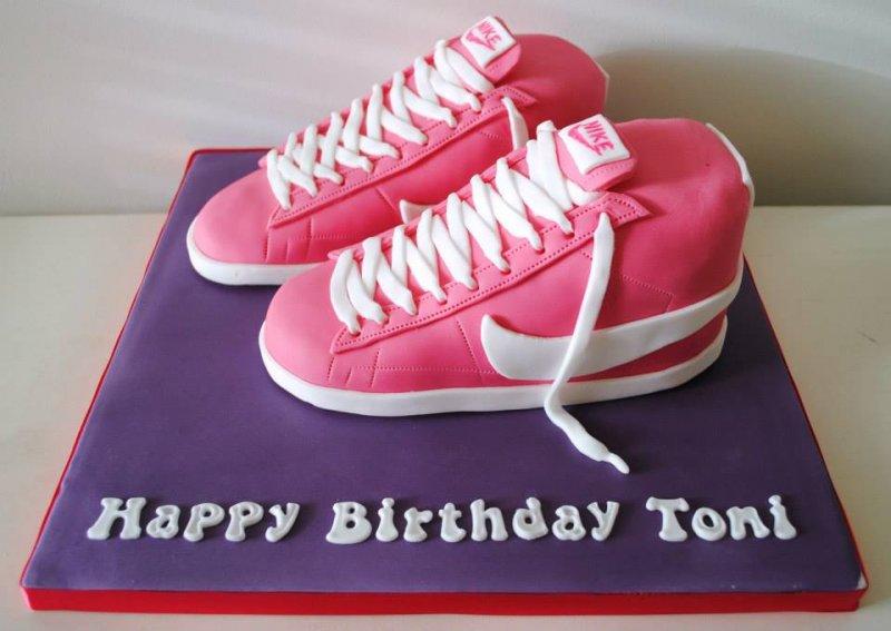nike-blazer-trainer-birthday-cake