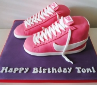 nike-blazer-trainer-birthday-cake