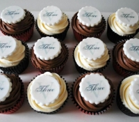 Three V Salon logo cupcakes