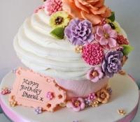 flowers-giant-cupcake (1)