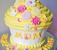 mum-giant-cupcake