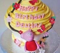 peppa-pig-giant-cupcake
