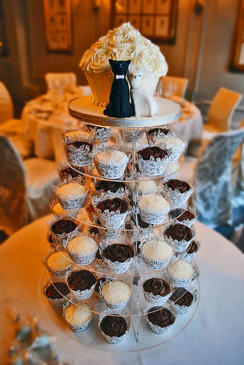 Bánh cưới cupcake 15