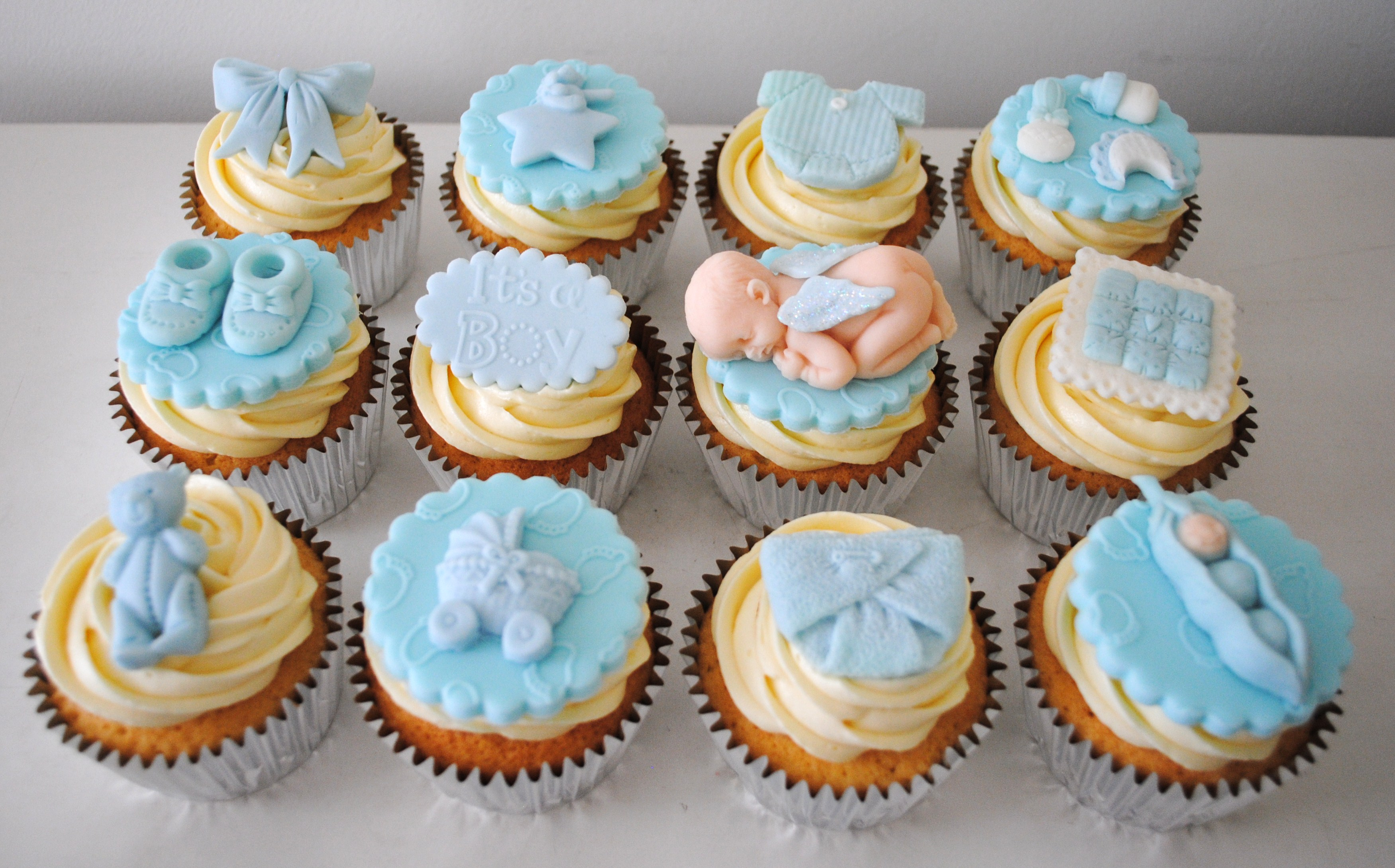 Baby shower cupcakes miss cupcakes for Baby shower cupcake decoration