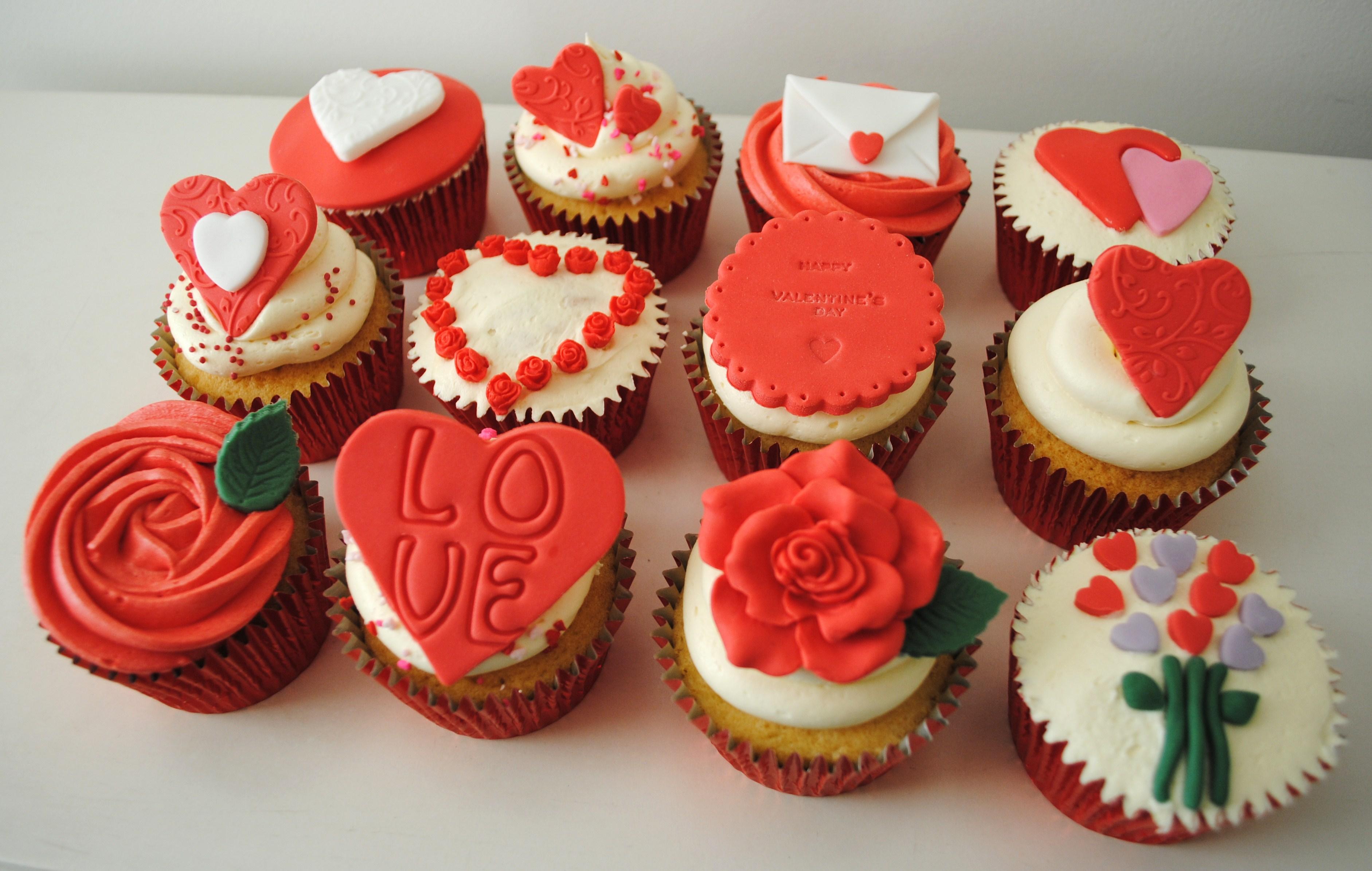 x12 cupcake box set 24 - Cupcake Valentine Box