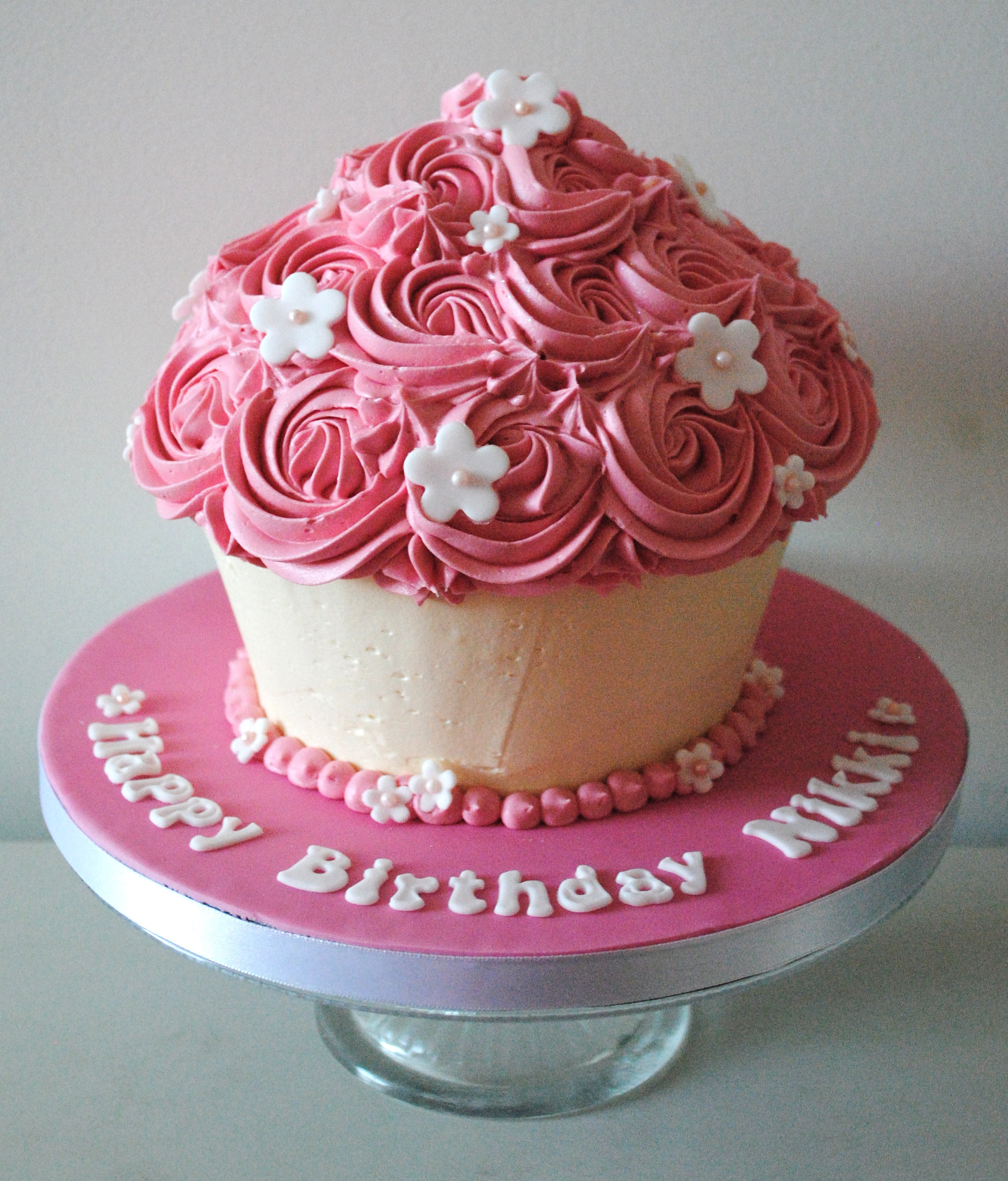 Miss Cupcakes Blog Archive Birthday Giant Cupcake