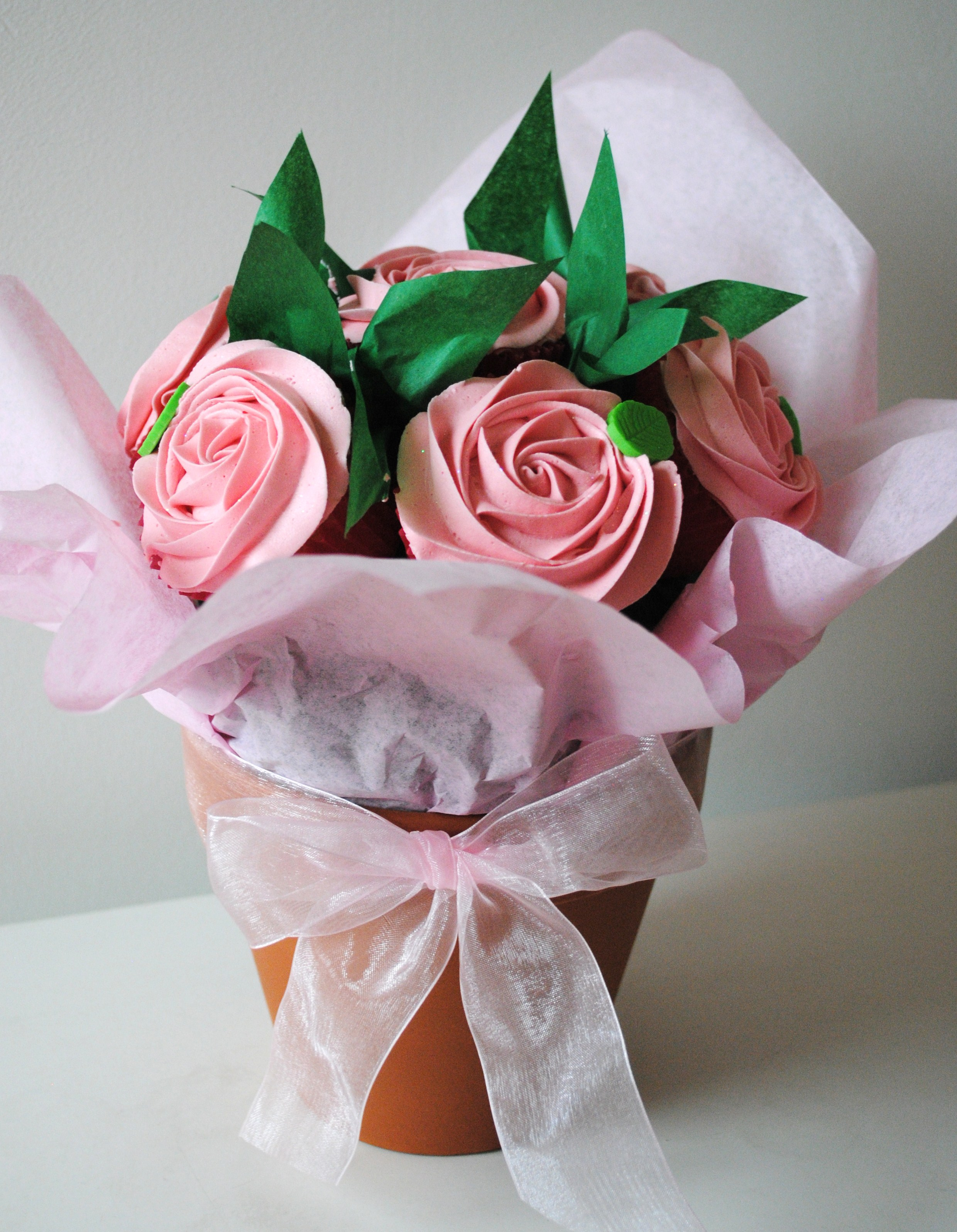 Valentines day boxsets and gift ideas, cupcake bouquet, cupcakes ...