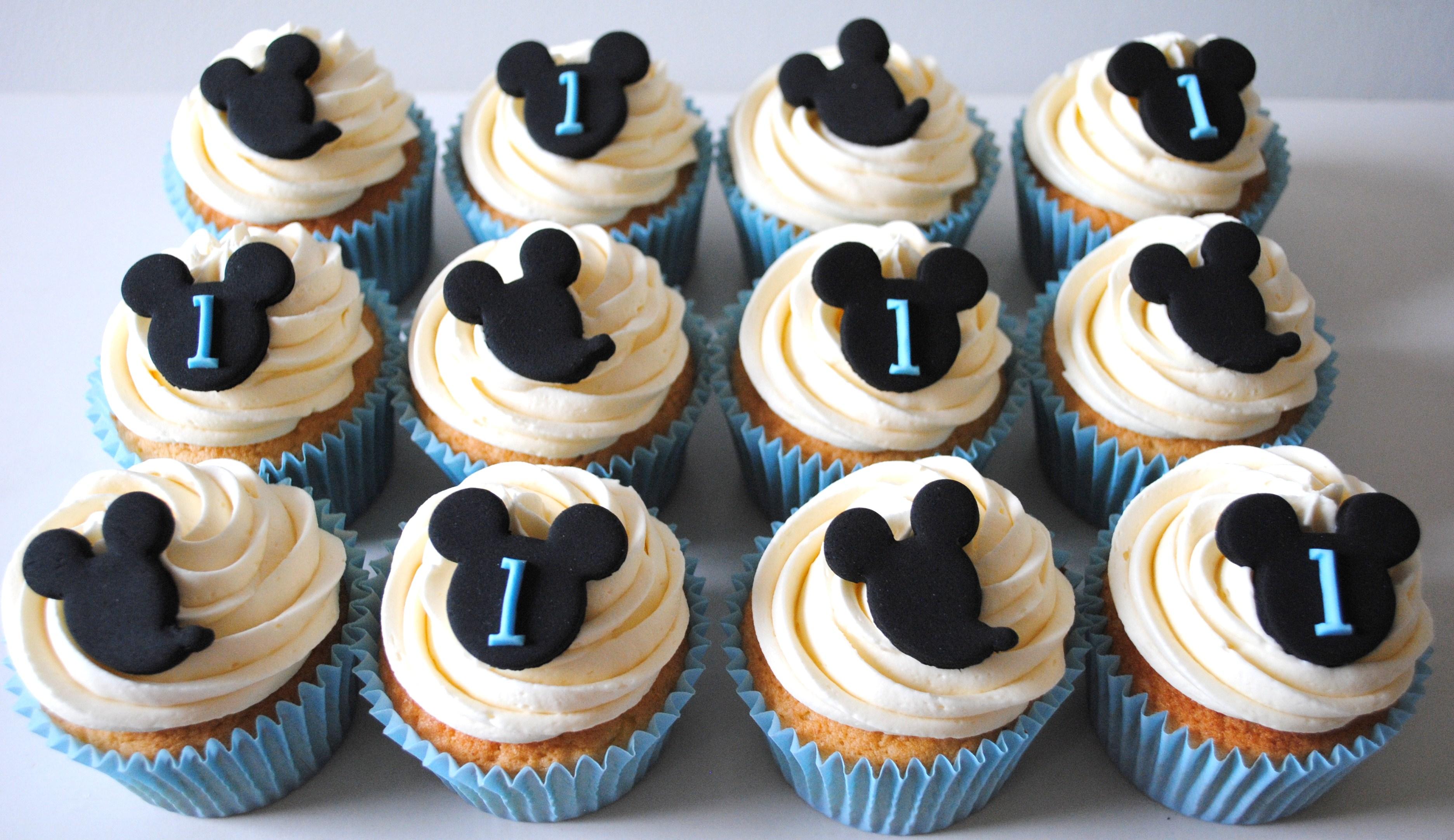 Mickey Mouse Birthday Cupcakes