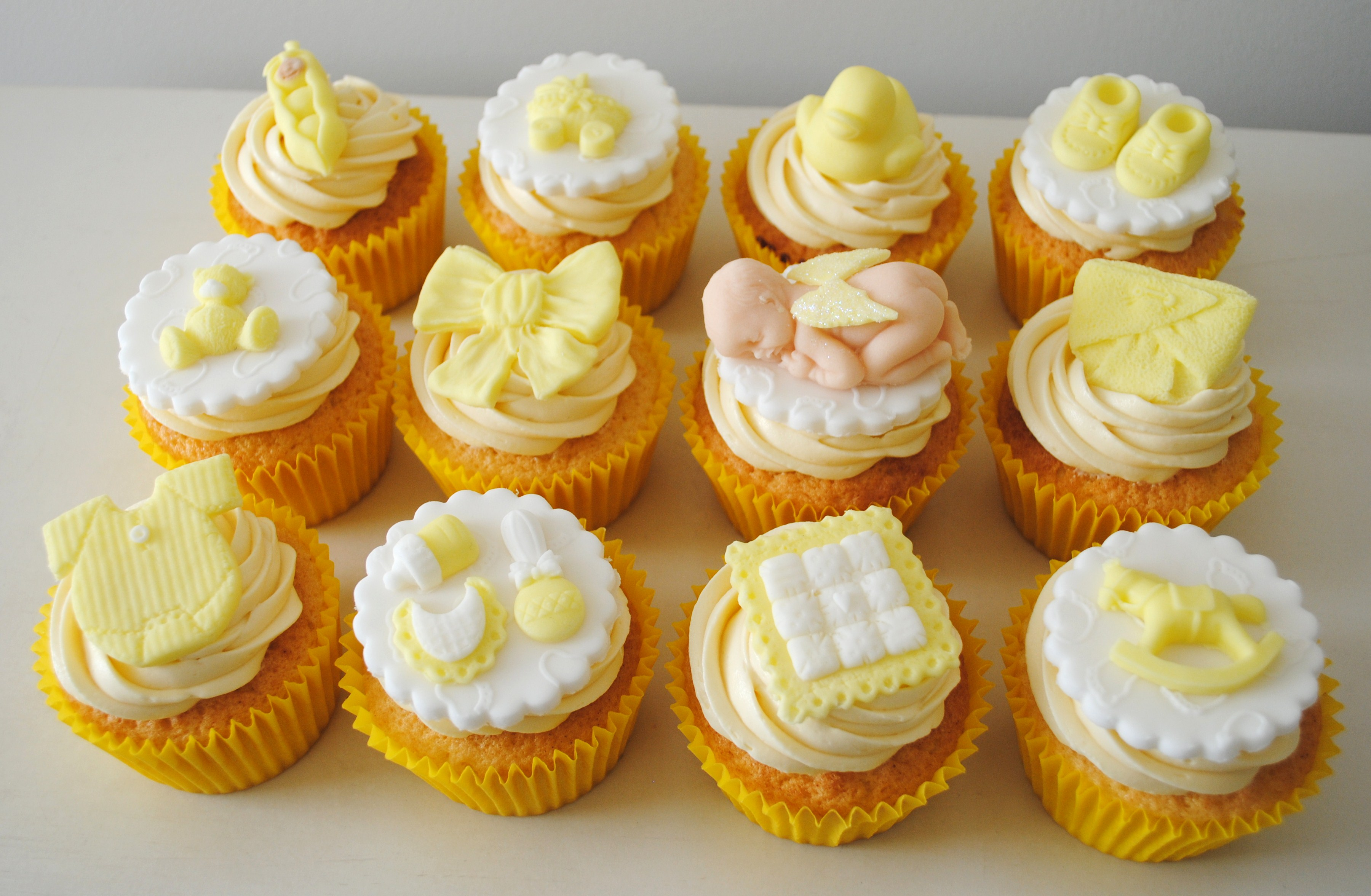 Baby Shower Cupcake Ideas Neutral : Miss Cupcakes  Blog Archive   Yellow baby shower cupcake ...