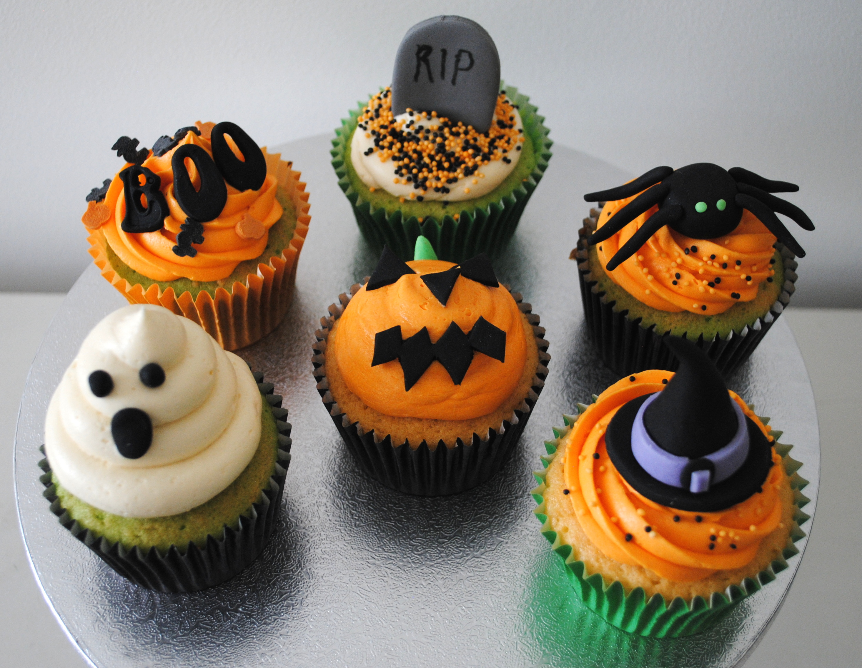 87 Halloween Wedding Cakes Online Collection Halloween: halloween cupcakes