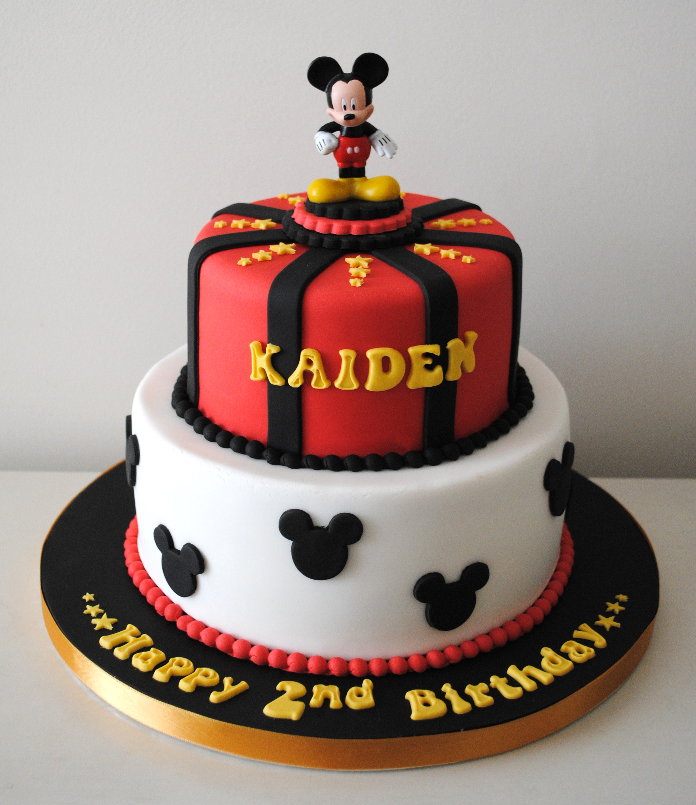Enjoyable Miss Cupcakes Blog Archive Mickey Mouse Birthday Cake Funny Birthday Cards Online Fluifree Goldxyz