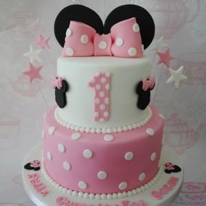 Minnie Mouse Birthday Cake.2 Tiered Minnie Mouse Birthday Cake